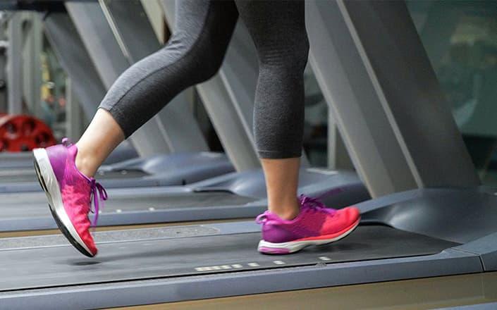 Running on treadmill belt